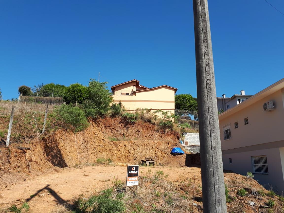 TERRENO DE 390m² de 13m X 30m. Localizado no Bairro Cerâmica Loteamento Tormen, Rua Primo Badalotti, Erechim/RS.