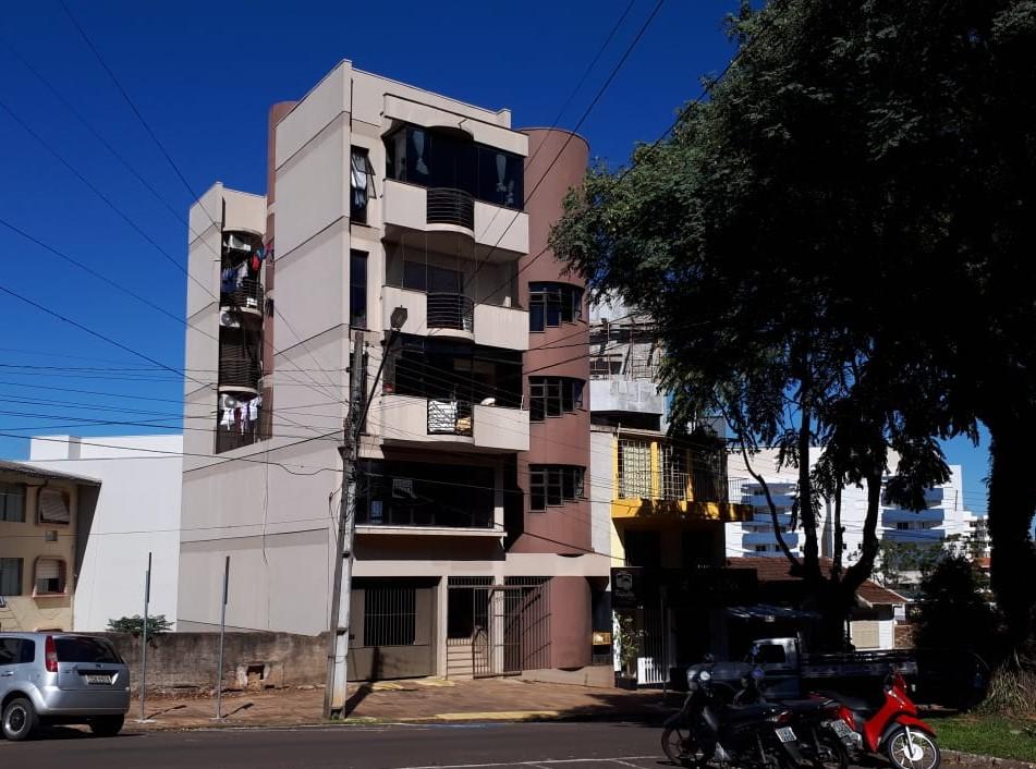 APARTAMENTO COM ÁREA DE 122m² NO CENTRO, ERECHIM-RS