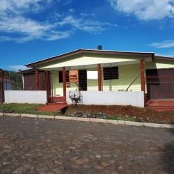 CASA EM ALVENARIA COM ÁREA DE 131m², LOCALIZADA EM BARÃO DE COTEGIPE-RS